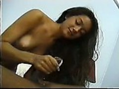 Sexy Brunette gives handjob to completion