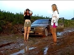 catfight girls catfight in the mud