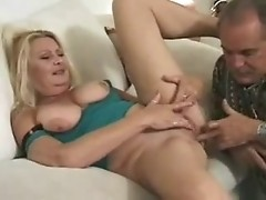 Milf gets longwaited hubbys dick and some toying