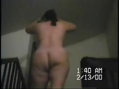 2-7- SYN- ESPOSA BAILANDO EN ESCALERA