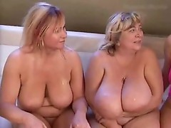 YOUNG FIT GUY LOVES FUCKING MATURE BBWS