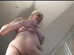 Masturbation de  la  mamie