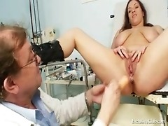 Adriana visiting her gyno doctor for real pussy gyno exam