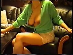 SAG - Spitzenunterrock mit Bikini und Titten in der Weste