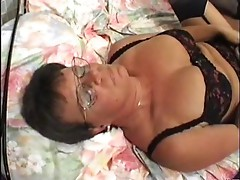 Granny in Lingerie and Glasses Fingers and Fucks