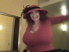 Teddi-Busty Horny Mama