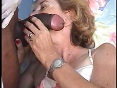 French mature Agnes &amp; doctor gyno