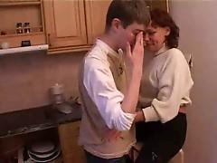 Boy loves his aunt - Rayra