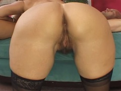Hardcore MILF bitch fucked in her hairy pussy
