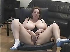 Mature bitch spread legs and masturbating