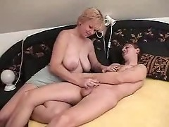 Mature Mom And Young Boy Fucking
