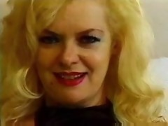 Blond granny-fdcrn