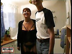 Amateur couple are doing some joint oral and exposing her pussy