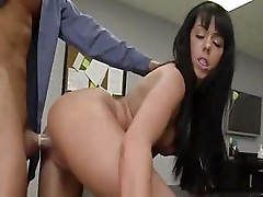 Paulina is giving her boss some extra treatment on cock at work