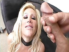 Jennifer Adams uses a dildo until he comes with his real cock