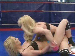 Sophie Moone fight with hot chick in the ring
