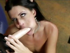India Summers and Kelly Wells sucking a strap on