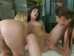 Alison Star finger jabbing on the floor with friends