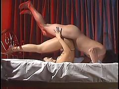 Flexible Japanese babe banged