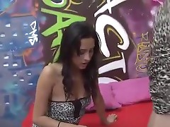 Oyeloca Drunk latina Carolina and Lilly hot