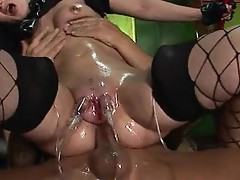 Slut about huge pussy lips has very big