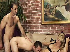 Plumpy Babe Sharing her Man with some other 1 inside awesome 3some!