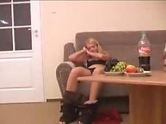 Drunken solo gal