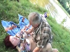 Stacked redthis chabad Milf gives a nakedBack blow Job by tthis chab River