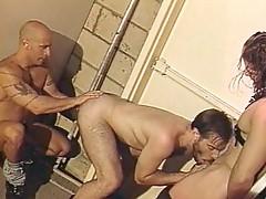 Horny bodybuilder 3some