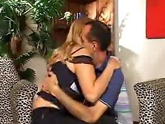 Hawt milf bi sexual threesome