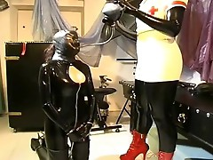 Hot domina knows what she wishes