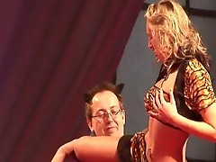 Sexy gal does hot strip play