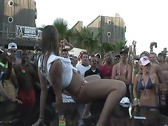 Babes Flash Their Tits for the Crowd