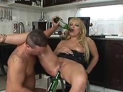 Mature MILF has butt hole fucked