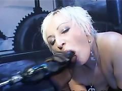 Blonde porno diva having free hardcore machine sex