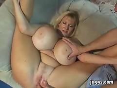 Mammoth Tits Mature Kayla Kleevage