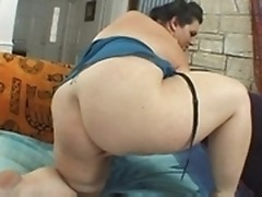 Fat chick Mynxx fingers and toy fucks her juicy pussy on solo bbw videos