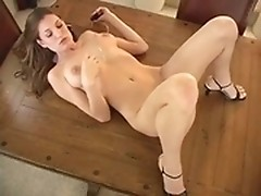 Jamie Lynn knows how to get the biggest load of love milk out of her puss!