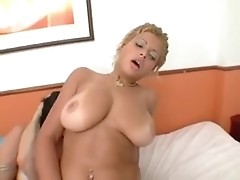Kelly Lorena and her female thing disport with lad