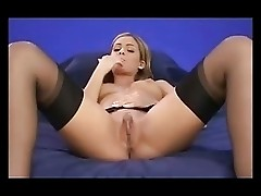 Blond Clara virtual masturbation, Solo