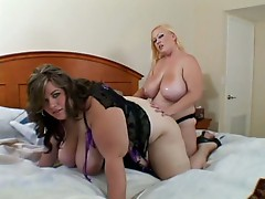Lesbians play with a hot rod as Bunny De La Cruz is the giver