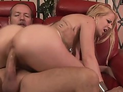 Hot sexy bit Anita Blue has her pussy creampied from big dick