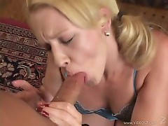 Olivia Saint wraps her lips around this hard dick