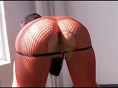 Sexy Alexa Nicole shows off her succulent round ass