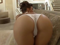 You can tell Rachel Starr knows what she is doing as she pampers a rod