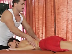 India Summers is a mother who knows how to take a dick and massage