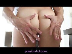 Passion-HD Cheeky Holly Michaels Gets Her Beautiful Pus