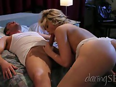 Alexis Texas spreads her lips around this hard dick