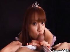 Asian princess babe gives a hot blowjob