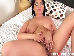 Big Tit Busty Eve Diamond Masturbates 2